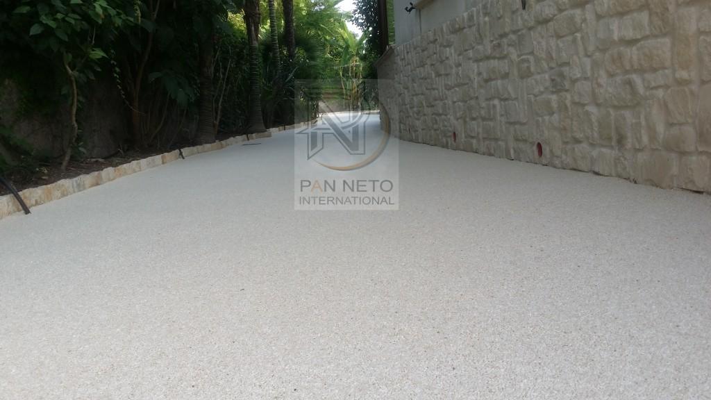 Il pavimento drenante in resina e granulati di marmo for Pavimenti in graniglia e arredamento moderno