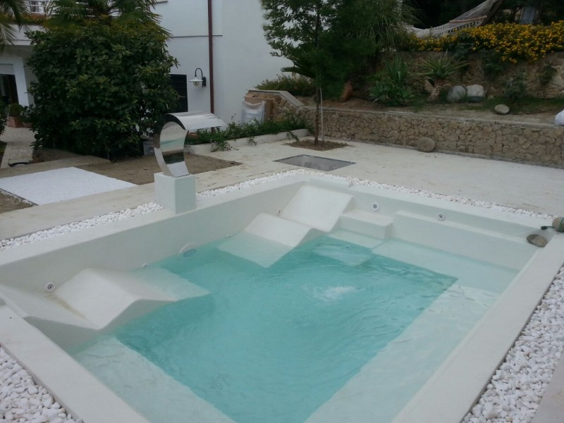 Piscine naturali ed effetto sabbia natural pool sand effect for Laghetto resina