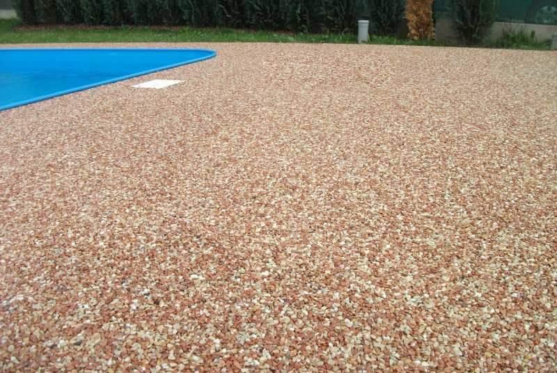Pavimento effetto ghiaia: ghiaia da giardino prezzi pavimenti per l