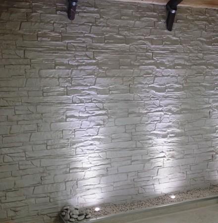 Piastrelle finto muro great mattonelle finto mattone con terramix gres effetto piastrelle per - Piastrelle finto mattone ...