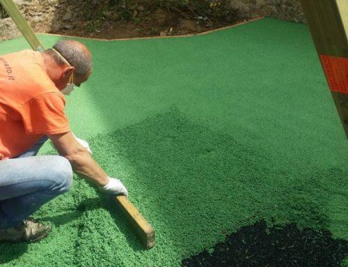 Come si realizza un pavimento antitrauma in gomma colata?