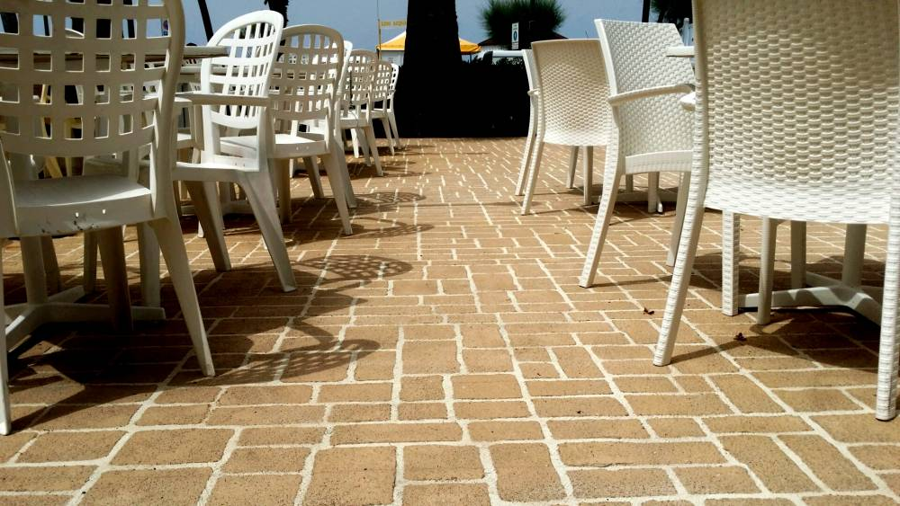 Pavimento spray a basso spessore spruzzato o spatolato